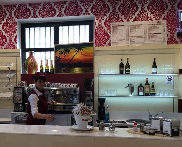 Castel San Pietro: il bar della stazione è realtà