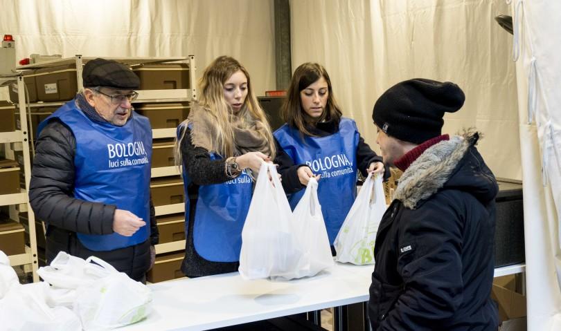 Luci sulla comunità, oltre duemila curriculum valutati e seimila pasti distribuiti