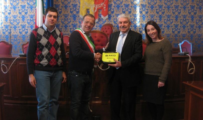 Donato un defibrillatore per le palestre e le scuole di Castel San Pietro Terme