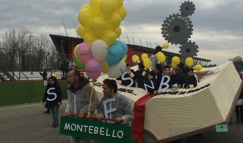 """Carnevale, nella categoria """"scuola"""" trionfo delle Pelloni-Tabanelli. I fantaveicoli tingono di colori la Città"""