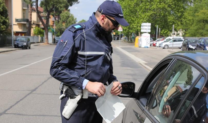 Decreto di espulsione per un cittadino albanese. Controlli serrati della municipale