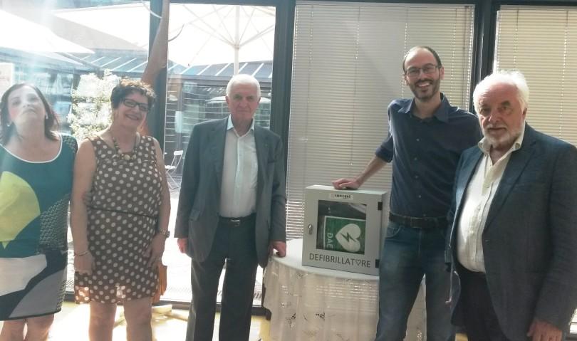 Il Lions Club dona un defibrillatore alla biblioteca di Castel San Pietro Terme