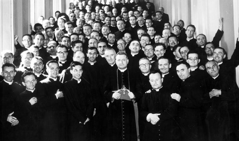 """""""Sacerdos in aeternum"""", storia di 62 sacerdoti della diocesi di Imola"""
