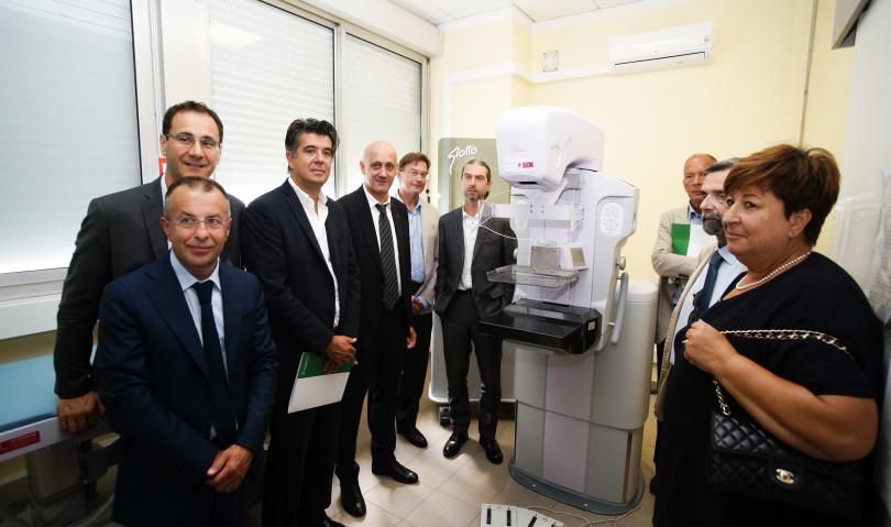 Sacmi dona un nuovo mammografo all'Ausl imolese