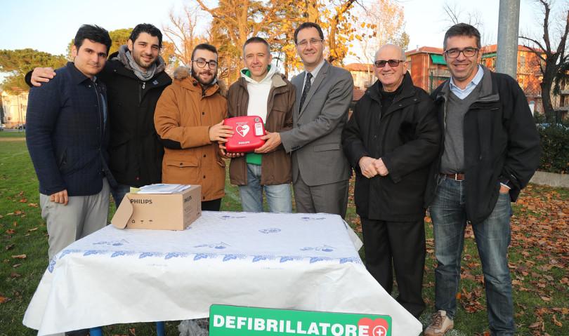 Noi Giovani dona un defibrillatore alla Juvenilia