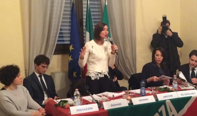 """Sala gremita per Forza Italia. I candidati: """"qui una partita in due tempi"""""""