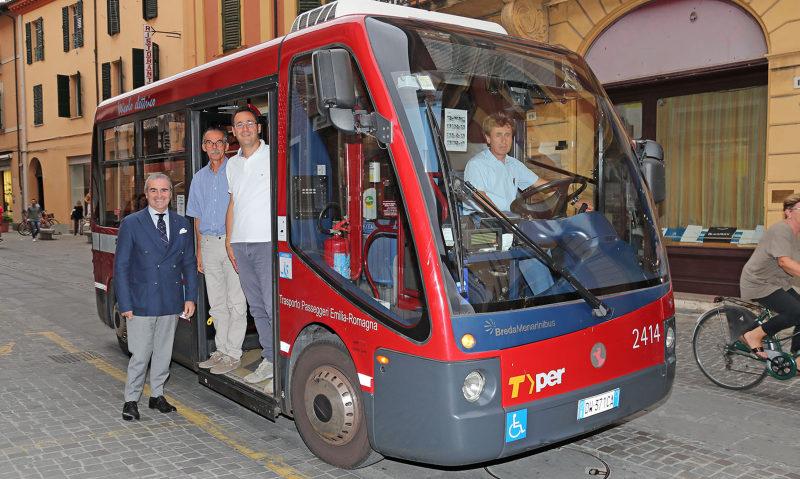 """Imola, il bus elettrico in centro costa troppo. Il M5stelle lo """"taglia""""."""