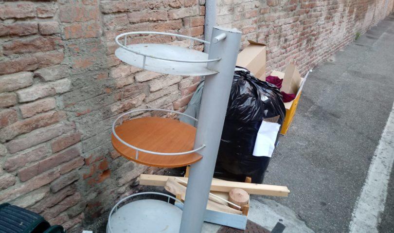 L'abbandono di rifiuti diventa sempre più un'abitudine