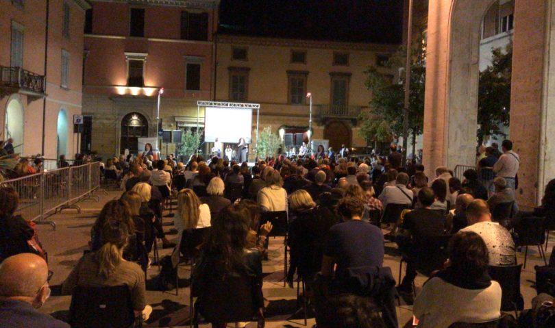 """Carmen Cappello in piazza Gramsci: """"i nostri big sono gli imolesi"""""""